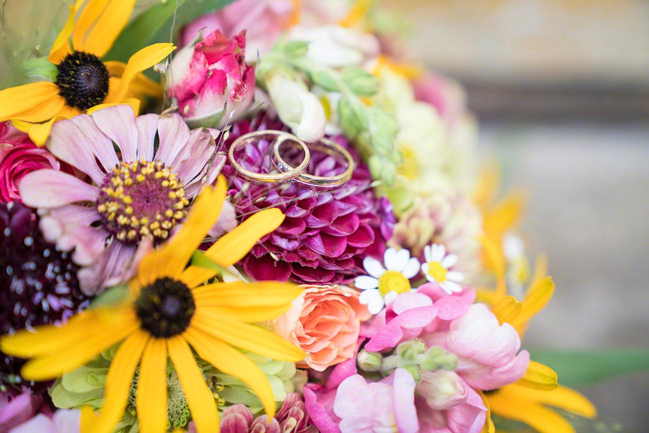 Hochzeit Brautstrauß Eheringe
